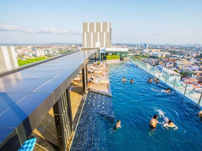 Photo for NEW & CHIC/Sky pool @The Base Central Pattaya