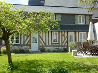Lovely, compact cottage with great position for easy access to beautiful town of Honfleur