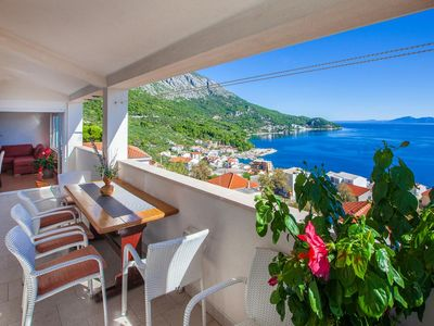 Photo for Three bedroom apartment with terrace and sea view Igrane, Makarska (A-4891-a)