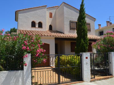 Photo for Holiday cottage in Perpignan with swimming pool