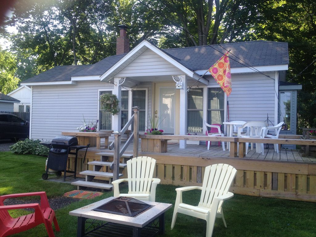2br lake mi beach views breezes in south haven south for Beach house designs south haven mi