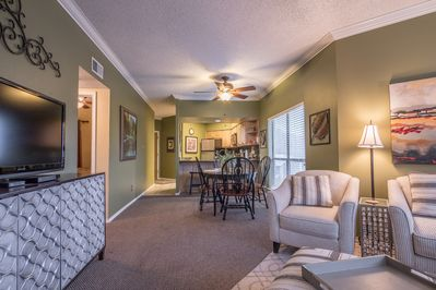 CLEARWATER CONDO @ INVERNESS - a SkyRun Texas Property - Cozy Living Space