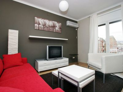 Photo for Apartment 1.1 km from the center of Barcelona with Internet, Air conditioning, Lift, Terrace (992223)