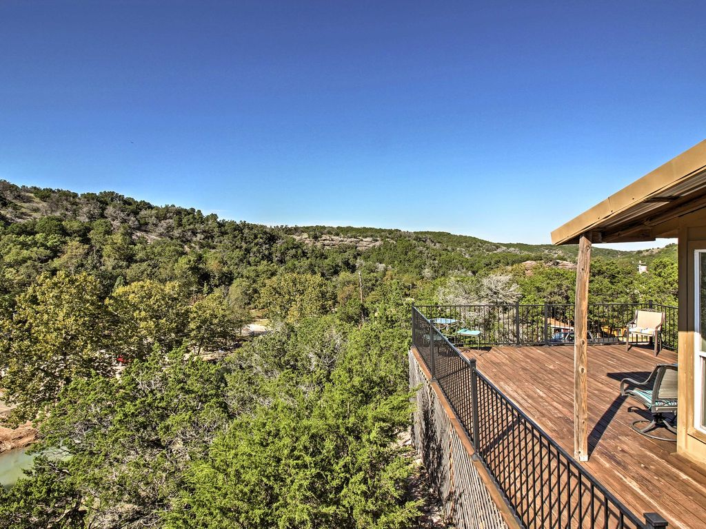 Experience The Spectacular Scenic Wonders Of South Central Oklahoma When  You Stay At This 1
