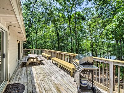 Photo for Lake Hartwell Home w/ Private Dock - Near Clemson!