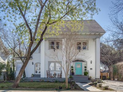 Photo for Awesome 5 bedroom home in Historic Tobin Hill District of San Antonio!