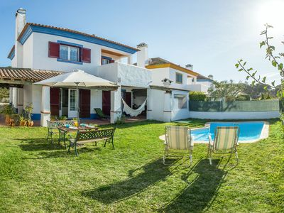 Photo for Nice familiar villa for 6 with private garden and swimming pool, close to Lisbon