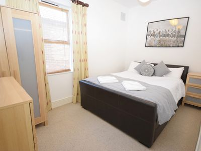 Photo for Lakeside - 1 Bed apartment close to Fairhaven Lake