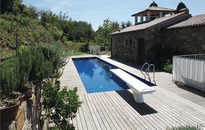 3 bedroom accommodation in Marezige
