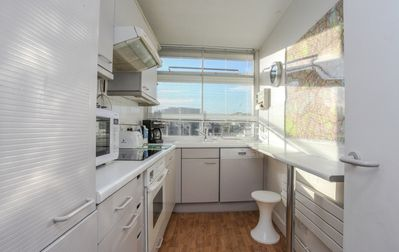 KITCHEN: fully equipped with every you need plus dishsoaps etc