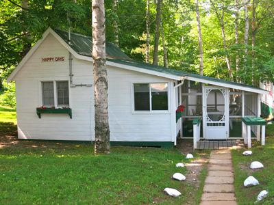 Photo for Happy Days Cottage at Birch Cliff Lodge