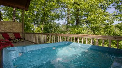 Relax In The Hot Tub Located On The Deck, PRIVATE ! Wooded Setting