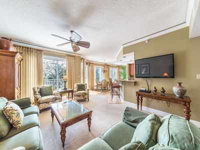 Photo for Beautifully decorated villa in Palmetto Dunes!
