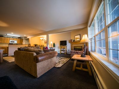 Photo for WALK TO TOWN from this cozy, quiet 3BR 5 mins from National Park.