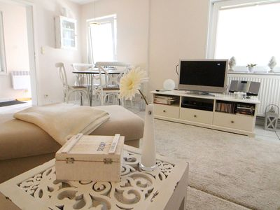 Photo for Obj. 66 - Charming apartment for 2-3 people, WLAN, 30 m z. Beach