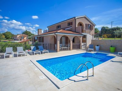 Photo for Stunning Villa with scenic views