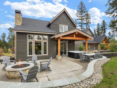 Photo for Ideal location on the park in Miner's Camp! Hot Tub, Shuffleboard, Netflix!