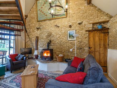 Photo for Tump Cottage - sleeps two. Fireplace, dog friendly. Romantic Cotswolds getaway.