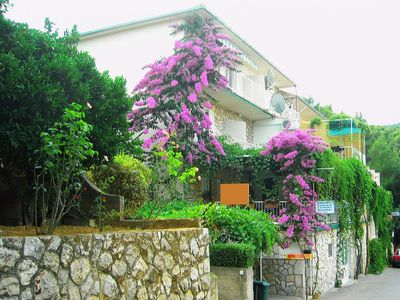 Photo for Three bedroom apartment with balcony Jelsa, Hvar (A-4019-a)
