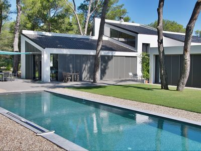 Photo for VILLA CONTEMPORARY 280m² near Aix en Provence