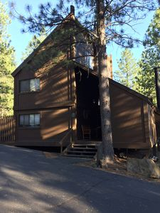 Photo for SPARKLING NEW PRIVATE JACUZZI! Charming 3-story Mountain Cabin, pet/kid friendly