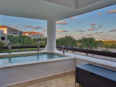 Photo for Dazzling Ocean View Two Bedroom Apartment (522)