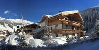 Fabulous chalet, perfect location and really great value - we will be back.