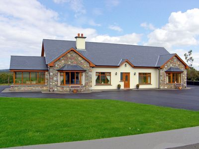 Photo for Detached House for 10/12