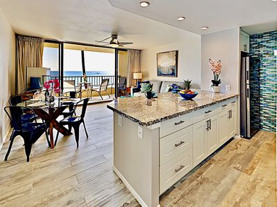 Photo for OCEANFRONT Lanai*Remodeled Modern-Chic Condo