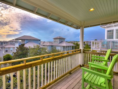 Photo for Relaxing beach house w/Gulf views, shared pool - near Eastern Lake & the beach!