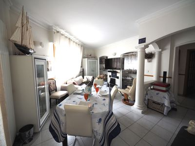 Photo for Apartment 60m2, spacious and quiet 3/4 stars, 200 M of the sea, the Centre