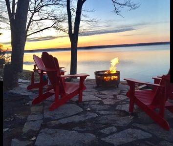 Photo for Gorgeous waterfront cottage close to everything County