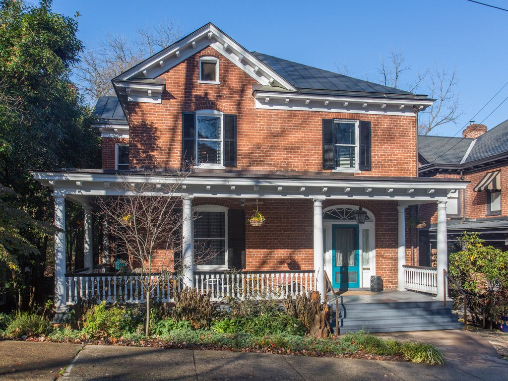 Beautiful historical modernized home in do homeaway for Charlottesville cabin rentals hot tub