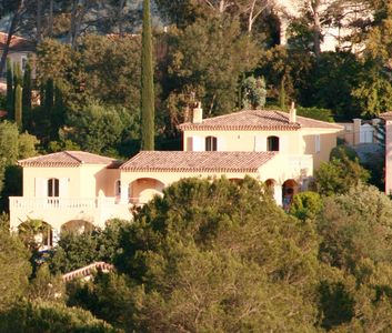 Photo for Elegant villa with exceptional views on the Golf Estérel