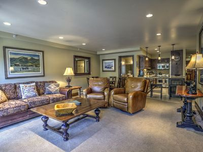 Photo for Lionshead condo with shared pool/hot tubs – steps away from the gondola