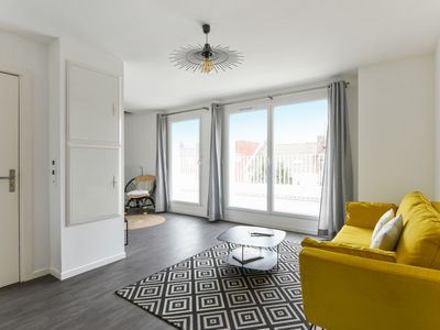 Photo for MEDIUM STAY ONLY - Cute apartment with terrace close to center - WELKEYS