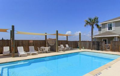 Photo for Close to the Beach, Saltwater Pool, Free Wifi, 3 King Beds, Reserved Parking