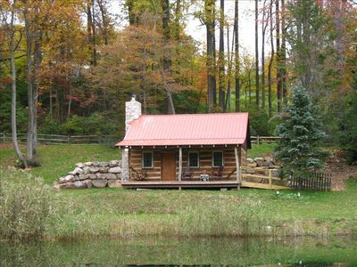 1800's Restored Log Cabin in Woods - 15 Min  Off Pa Turnpike