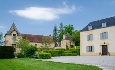 Photo for Le Bois du Petit Manoir, a peaceful haven with a pool at the doorstep of Sarlat