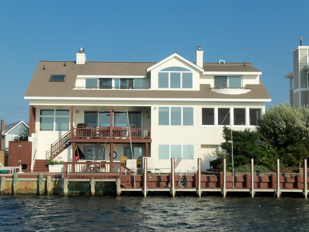 Luxury Bayfront Home With Pool And Spectacu Vrbo