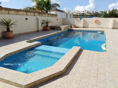 Photo for Three Bedroomed house with pool.