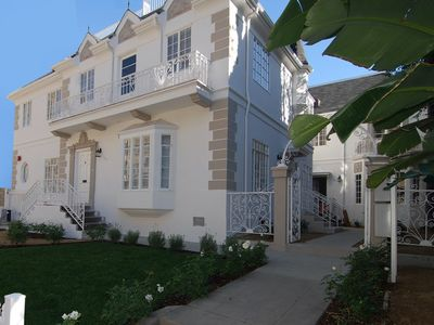 Photo for Mid-Wilshire French Chateau style apt,  2-bedroom/2bath