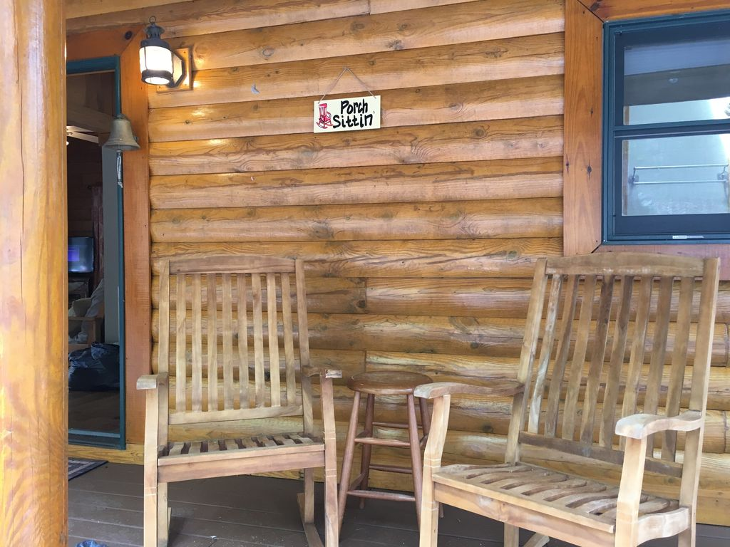 lookout drobek with tn vrbo chattanooga info rentals mountain cabin pool cabins