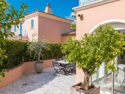 Photo for VILLA SAN ESTELLO, Superb 3 bedroom villa in the center of Saint Tropez