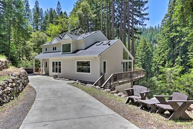 This 2-bed, 3-bath wine country gem is surrounded with towering red woods.