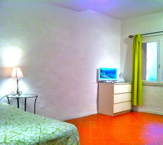 1/3 persons, free secure wifi, international TV chanels, flex 7j/24h reception