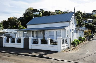 Puriri Downtown Villa - Napier Holiday Home