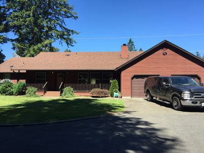 Photo for Beautiful 3BDR./3BA. Large Home In The Country, ~ 7 Acres, Yet Close To Town.