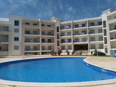 Photo for Apartment type Penthouse in condominium with pool, garden, garage in Albufeira