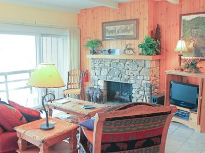 Photo for Ski lovers condo w/easy access to slopes, renovated kitchen & stone fireplace
